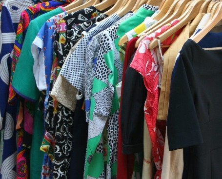 sell vintage clothing online popular